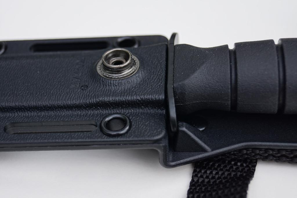 E-09-KABAR_Short_Fighting_Knife_clip
